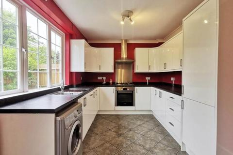 3 bedroom house to rent - Eltham Green Road London SE9