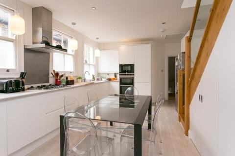 2 bedroom flat to rent - Barnard Road London SW11