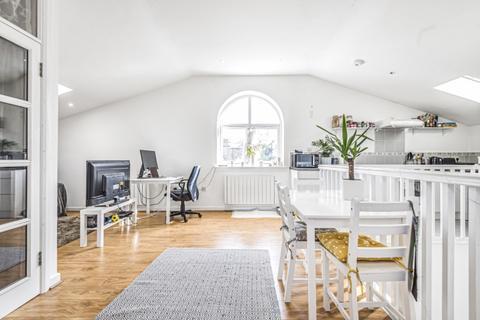 1 bedroom flat to rent - Broughton Street London SW8