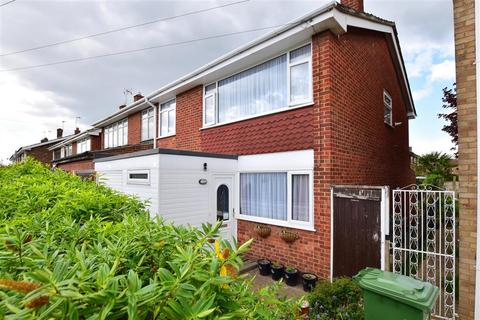 4 bedroom semi-detached house for sale - Fulmar Road, Hornchurch, Essex
