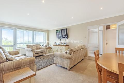 2 bedroom flat for sale - Chase Road, Southgate