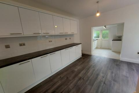 5 bedroom semi-detached house to rent - Mayes road, N22