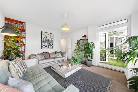 3 bedroom flat for sale - Tilford Gardens, SW19