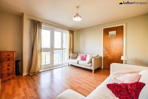 2 bedroom flat to rent - Wodeham Gardens, London E1