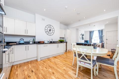 2 bedroom apartment to rent - Warren Street London W1T