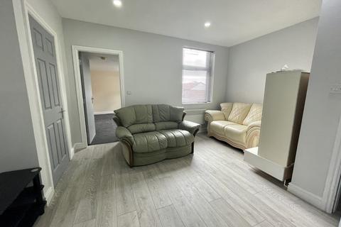 2 bedroom apartment to rent - Heaton Road, Newcastle Upon Tyne
