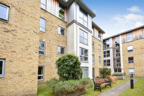 2 bedroom apartment to rent - Coombe Way, Farnborough