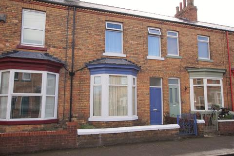 3 bedroom terraced house for sale - Oak Road, Scarborough