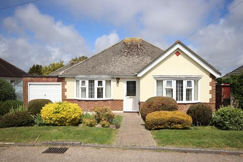 2 bedroom detached bungalow for sale - First Avenue, Bexhill-on-Sea, TN40