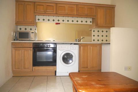 Studio to rent - Malthouse Close, 58 Nethergate,