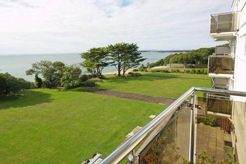 2 bedroom flat to rent - Palma Court, Wharncliffe Road, Highcliffe