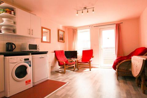 4 bedroom flat to rent - Byron Street Mews, Shieldfield, Newcastle upon Tyne