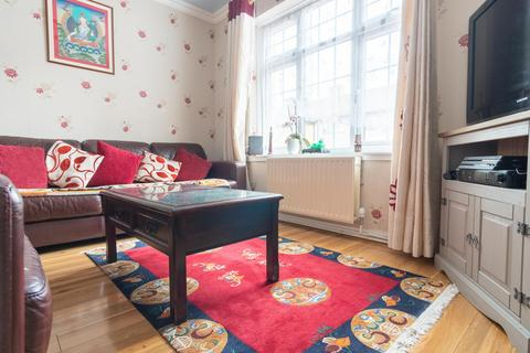 3 bedroom terraced house to rent - Martin Drive, Greater London, UB5