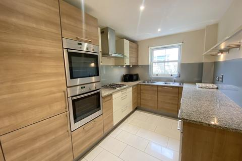 3 bedroom flat to rent - Derby Road, Bournemouth,