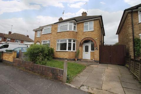 3 bedroom semi-detached house for sale - Staplehurst Avenue, Leicester