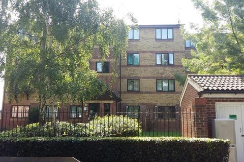 2 bedroom apartment to rent - Greenslade Road, Barking
