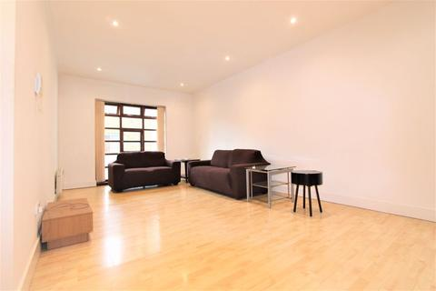 3 bedroom apartment to rent - Riga Mews, 32-34 Commercial Road, London