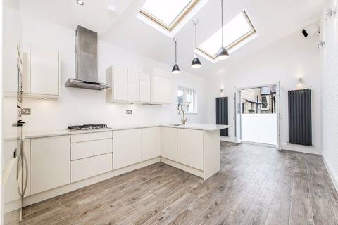 2 bedroom flat to rent - Lindrop Street, Fulham, London, SW6