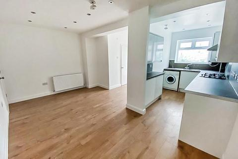 1 bedroom in a house share to rent - Larch Tree Avenue, Coventry, Warwickshire, CV4 9FT