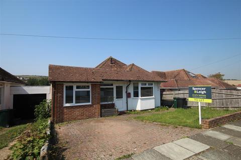 3 bedroom detached bungalow to rent - Stanmer Avenue, Saltdean, Brighton