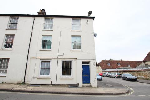 2 bedroom flat to rent - Hyde Street, Winchester