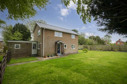 3 bedroom detached house for sale - Morda, Oswestry