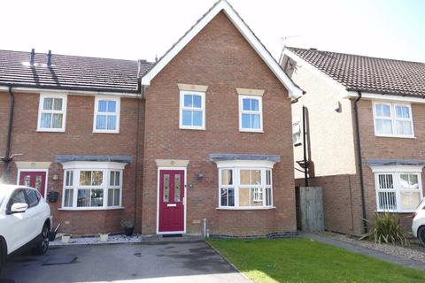 3 bedroom semi-detached house for sale - Sandfield Green, Market Weighton