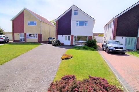 4 bedroom detached house for sale - Radyr Avenue, Mayals, Swansea