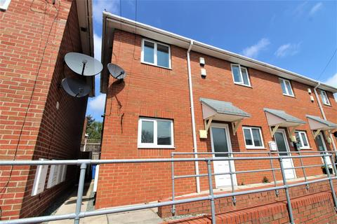 2 bedroom flat for sale - Seventh Avenue, Llay, Wrexham