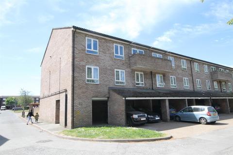 4 bedroom duplex for sale - Douglas Close, Roundshaw, Wallington