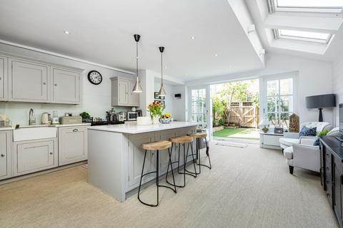 4 bedroom terraced house for sale - Gosberton Road, London, SW12