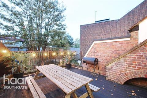 5 bedroom flat to rent - Barnet