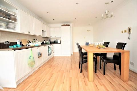3 bedroom apartment to rent - Vermeer Court, 1 Rembrandt Close, Isle of Dogs E14