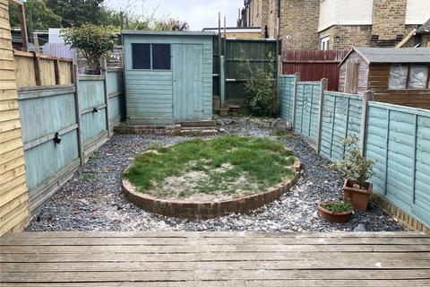 4 bedroom terraced house to rent - Granden Road, Norbury, London, SW16