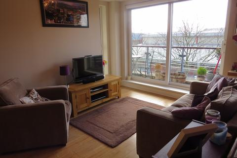 2 bedroom flat for sale - Anchor House Smugglers Way, London, SW18
