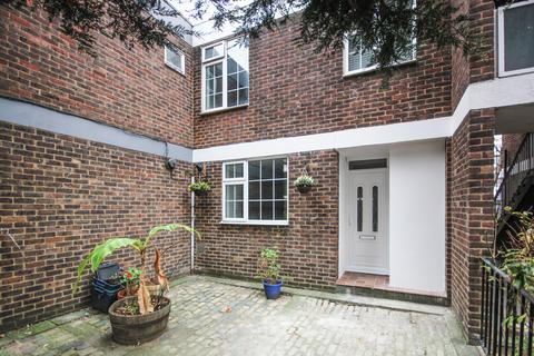 3 bedroom terraced house to rent - Dartle Court, Bermondsey SE16