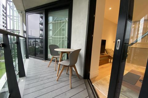 2 bedroom flat for sale - 4 Riverlight Quay, SW11 8AA