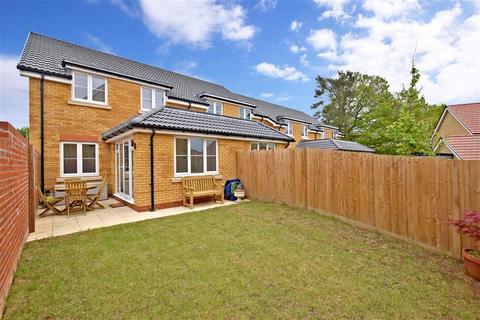 4 bedroom semi-detached house for sale - Sinclair Drive, Pulborough, West Sussex