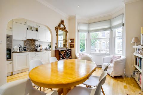 2 bedroom flat for sale - Sangora Road, London, SW11