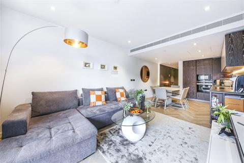 2 bedroom flat for sale - Pearce House, 8 Circus Road West, London, SW11