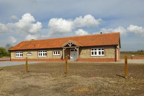 5 bedroom detached bungalow to rent - Stradbroke, Nr Eye
