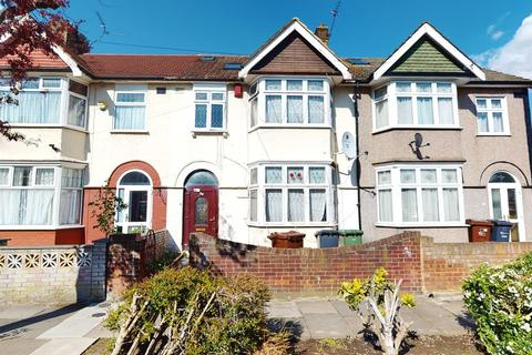 5 bedroom terraced house for sale - Netherfield Gardens, Barking, IG11