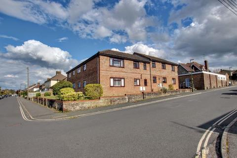 1 bedroom flat for sale - Gordon Road, Haywards Heath