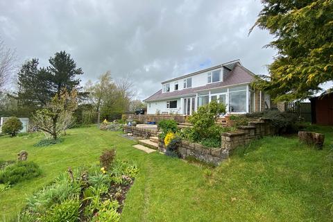 4 bedroom detached house for sale - Llandysul, SA44