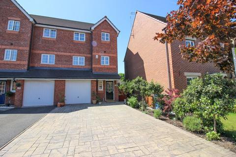 4 bedroom townhouse for sale - Kennett Drive, Bredbury, Stockport, SK6