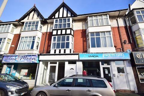 Studio to rent - St. Davids Road South, St Annes, FY8