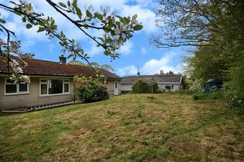 2 bedroom detached bungalow for sale - Flemish Close, St. Florence, Tenby