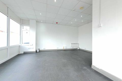 Property to rent - Holmfield Road, Blackpool