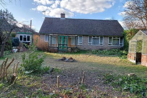 3 bedroom bungalow for sale - Blagrave Lane, Reading