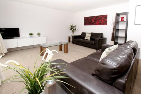 1 bedroom flat to rent - Town Mead, Rh11 7EH